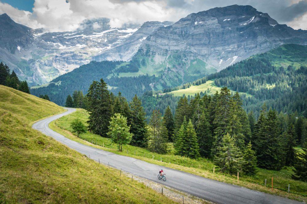 Climbing the Col de la Croix in the Alpes Vaudoises